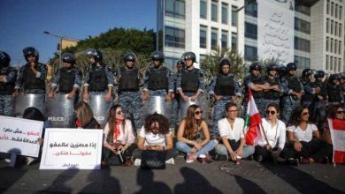 Photo of قائد الجيش اللبناني يشيد بأداء العسكريين في التعامل مع الاحتجاجات