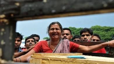 Photo of هندية تعود إلى الحياة أثناء التحضير لدفنها !
