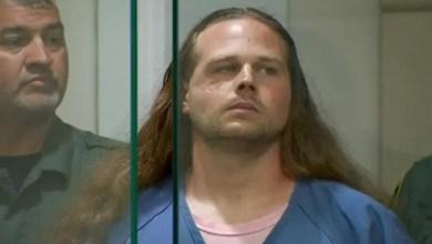 صورة أمريكي يقتل رجلين طعناً بعدما حاولا منعه من الاعتداء على فتاتين