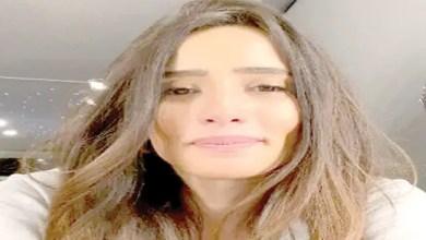 Photo of زينة تعتذر عن فيديو استهانت فيه بفيروس كورونا ( فيديو )
