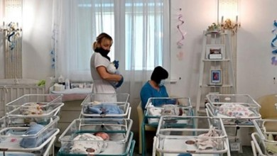 """Photo of بلد أوروبي يتحول إلى """" مصنع للأطفال """" مع انتشار عمليات الإنجاب لصالح أشخاص آخرين ( فيديو )"""