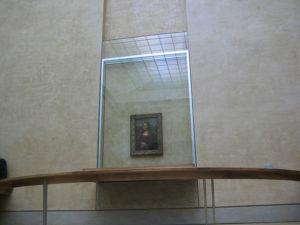 4_Mona Lisa behind bulletproof glass