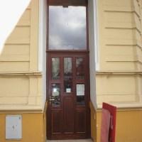 vstupní dveře masiv