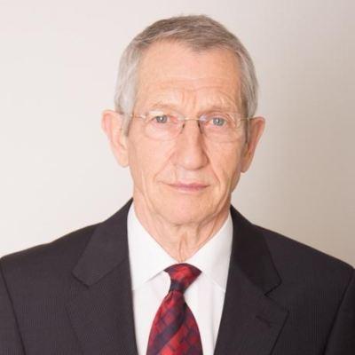 Dr. Végh Miklós