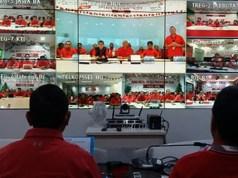Operasional posko secara resmi dimulai dengan pengecekan kesiapan jaringan dan infrastruktur TelkomGroup secara serentak di seluruh Indonesia melalui video conference yang dipimpin langsung oleh Direktur Network & IT Solution Telkom Zulhelfi Abidin dari Posko Nasional yang berlokasi di The Telkom Hub, Jakarta, Jumat (21/12).