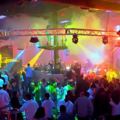 Burbulų_kolonos_Wett_Nightclub