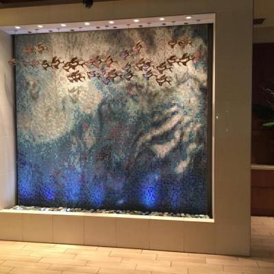 Vandens siena is mozaikos plyteliu_Hyatt_Place_Honolulu Hawaii