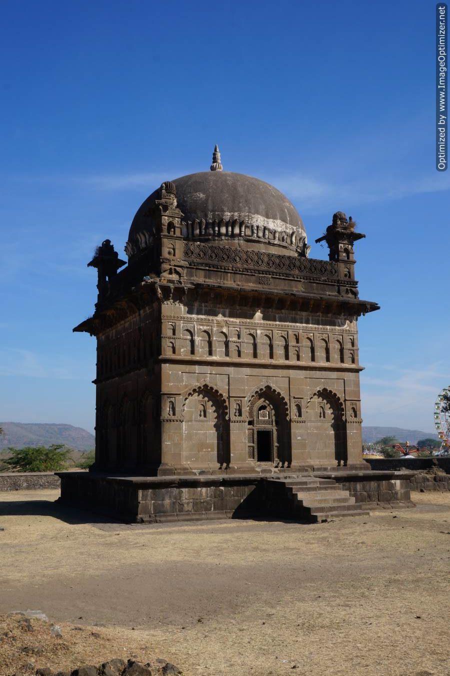 Malik Ambar tomb