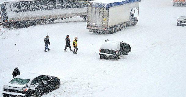 امریکہ، برف باری نے تباہی مچادی،7افراد ہلاک،سوسالہ ریکارڈ ٹوٹ گیا