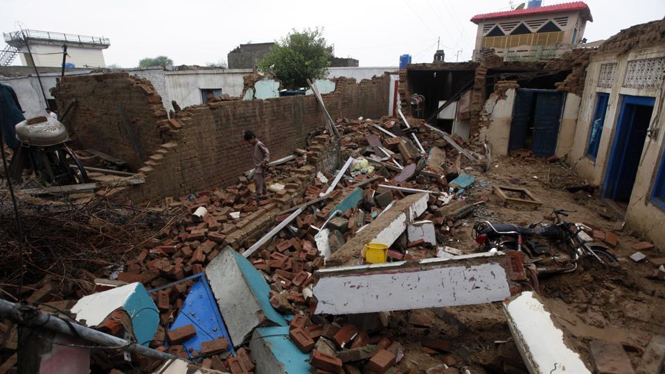 زلزلے سے تباہی، آزاد کشمیر میں جاں بحق افراد کی تعداد 37 ہوگئی