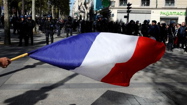 فرانس: ییلو جیکٹ مظاہرین دوبارہ سڑکوں پر نکل آئے