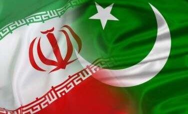 وزیراعظم عمران خان تہران روانہ ہو گئے