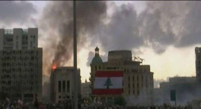 بیروت میں مظاہرے جاری، 2وزرا سمیت مزید5ارکان اسمبلی مستعفی