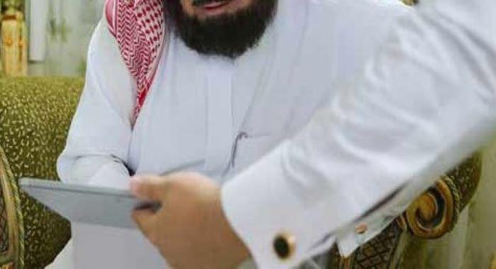 سعودی عرب: امریکی سیاح کی امام کعبہ سے ملاقات، اسلام قبول کرلیا