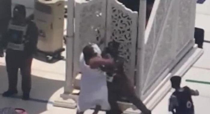 حرم شریف میں منبر پر حملہ کرنے والا شخص مہدی منتظر ہونے کا دعوے دار