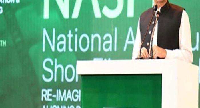 انگریزی بولنا اور انگریزی کپڑے پہننا سافٹ امیج نہیں احساس کمتری ہے عمران خان