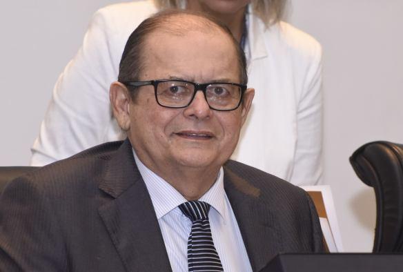 Presidente Humberto Coutinho parabeniza deputados pelo Dia do Médico