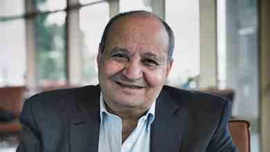 وفاة كاتب السيناريست المصري وحيد حامد عن عمر يناهز 76 عامًا