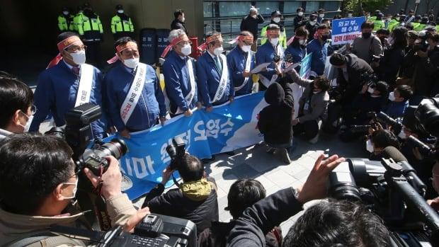 كوريا الجنوبية تدرس الخلاف في المحكمة بشأن خطة اليابان للتخلص من مياه فوكوشيما الملوثة