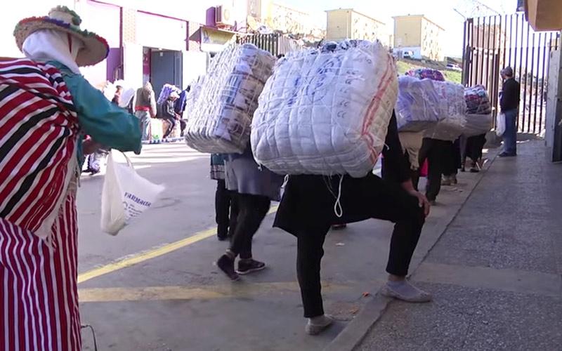 """المغرب يشيد معبرا لسبتة بعد موت """"مهربي المعيشة"""""""