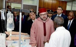 """جلالة الملك يدشن مركز """"محمد السادس للتكوين في طب المستعجلات"""" بالمركز الاستشفائي الجامعي ليوبوغون بأبيدجان"""