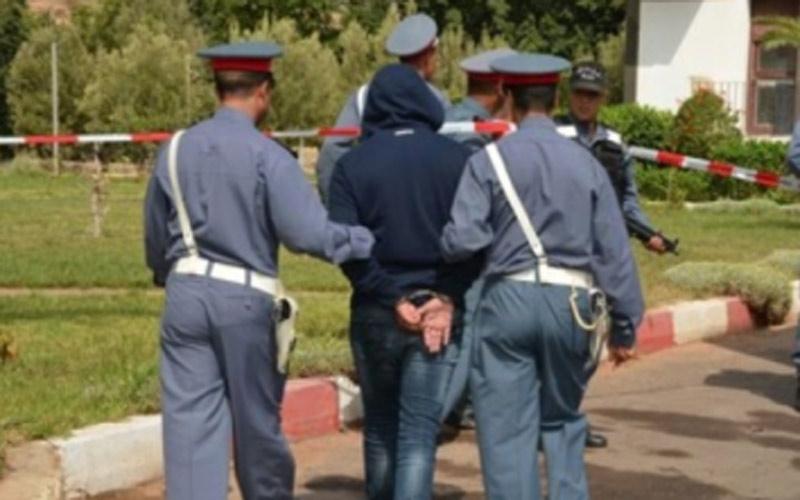 الدرك الملكي بطنجة: يفكك عصابة  سرقة معدات التشوير بالطريق السيار