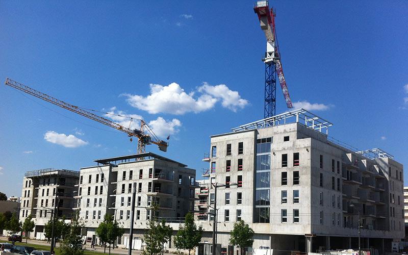 ارتفاع أسعار العقارات السكنية ب4.2 % يتسبب في تراجع مبيعاتها ب5,17 %