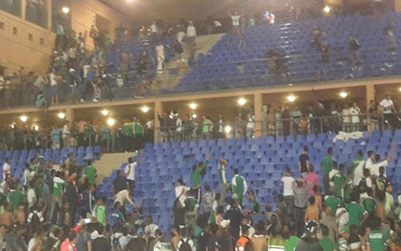 إدانة 12 مشجعا رجاويا بالحبس النافذ بعد شغب ملعب مراكش
