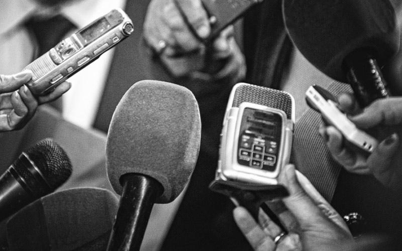 """جمعية """"الحرية الآن"""" تستنكر الملاحقات القضائية ضد الصحافيين"""