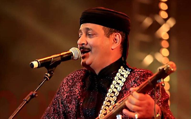 حميد القصري يفضل المصري محمد منير لتقديم ديو غنائي عربي
