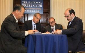 العماري يوقع على اتفاقية للاستفادة من نظام معلوماتي أمريكي متطور لضبط المعطيات الصحية بجهة طنجة تطوان الحسيمة