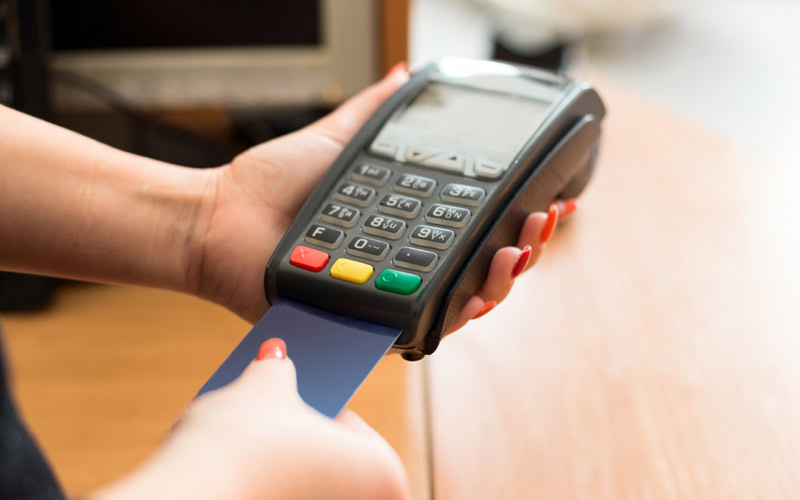 مركز النقديات: 66 مليار درهم قيمة الأداءات بالبطائق الإلكترونية