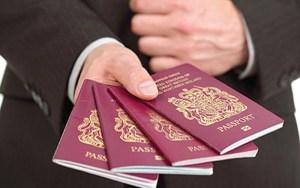 اختبار اللغة يسقط شبكة دولية لتزوير جوازات سفر أوروبية بمليلية المحتلة  يتزعمها مغاربة