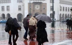 طقس الخميس.. الأمطار تزور سماء هذه المناطق المغربية