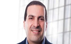 عمرو خالد والدين في خدمة الإشهار: أكل دجاج الوطنية يرتقي بالإنسان بعد التراويح