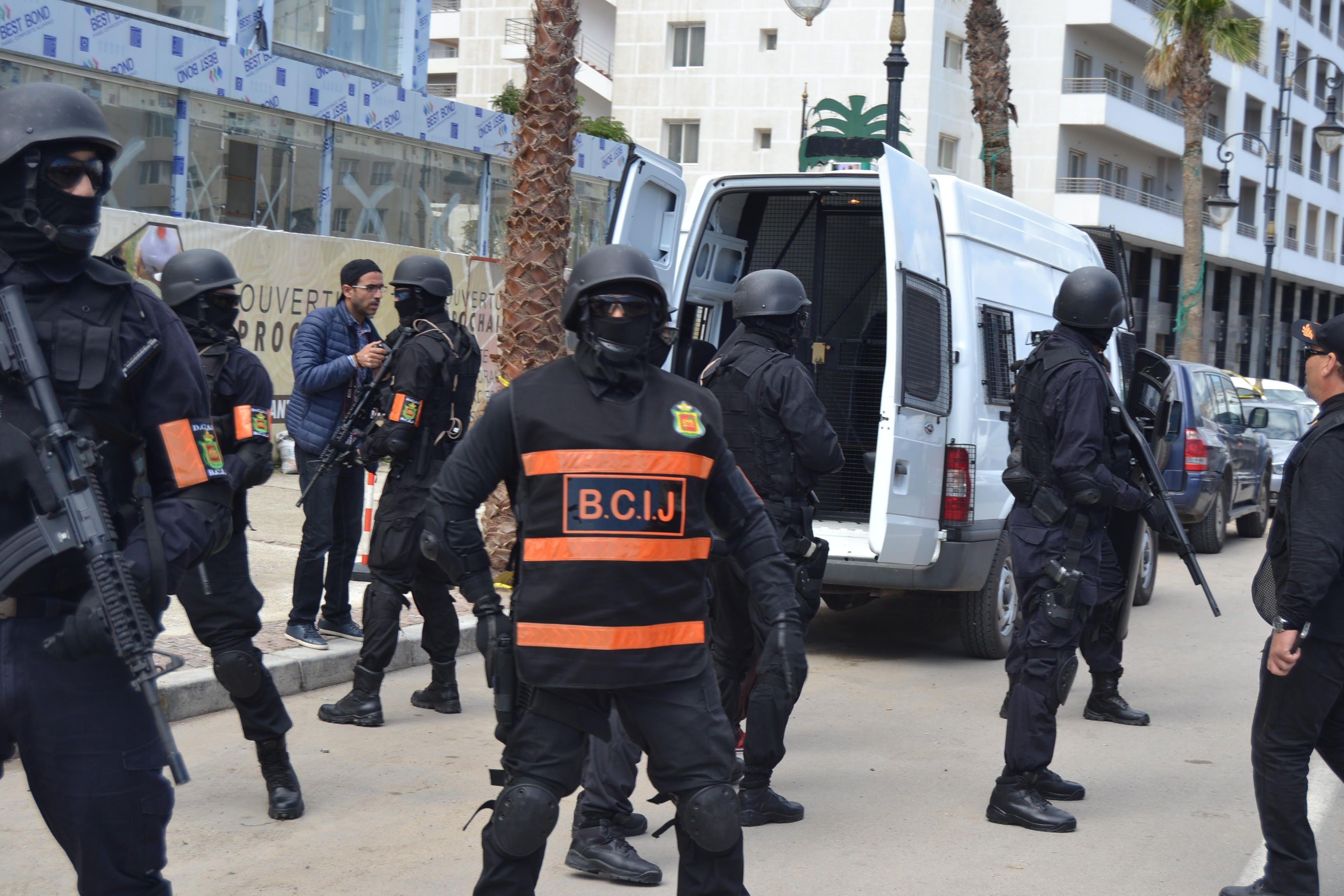 أحدهما طالب بالشريعة.. FBI المغرب يوقف داعشيَين تدرّبا على صناعة المتفجرات والعبوات الناسفة
