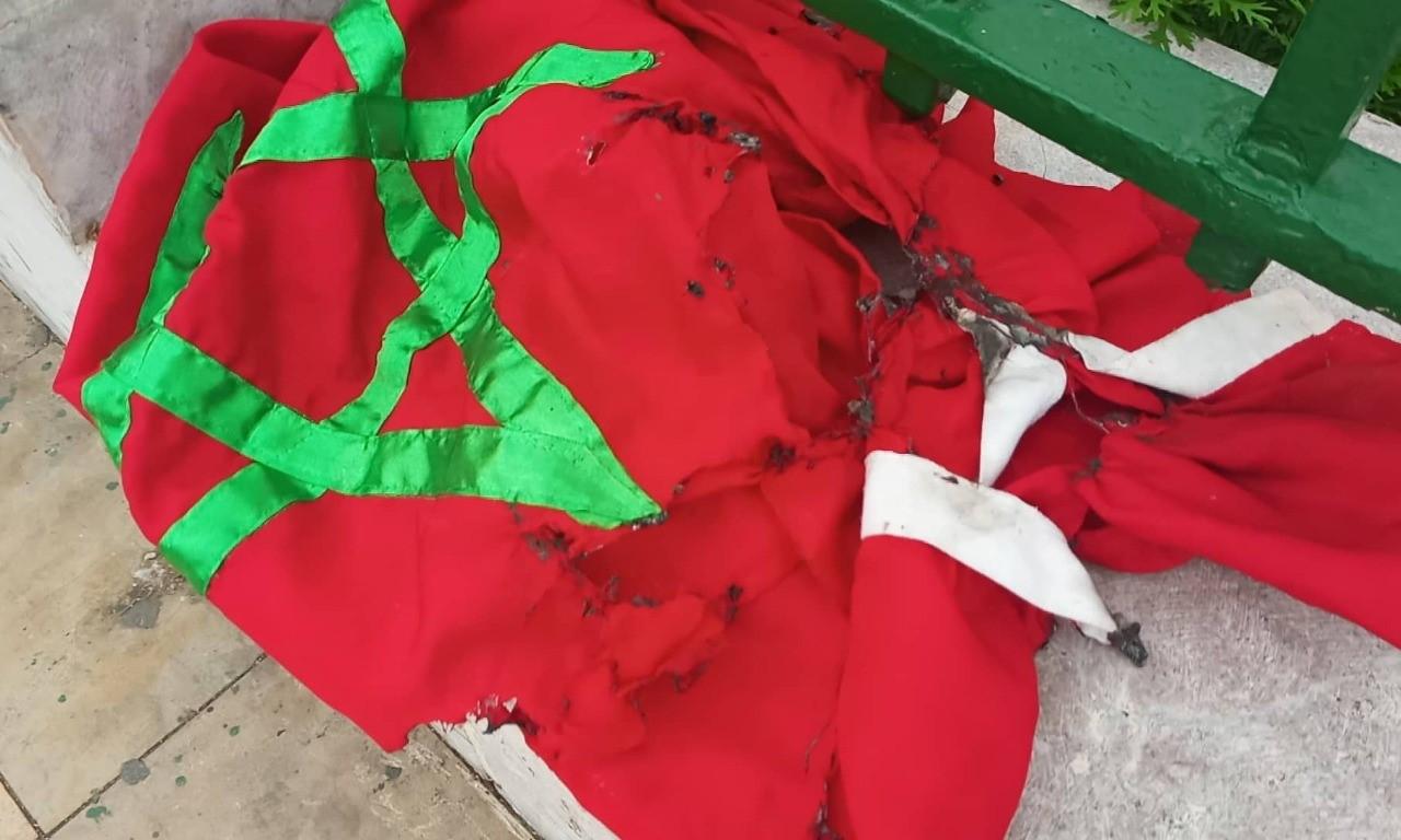 بعدما رصدتهم الكاميرا.. القضاء يتابع 06 تلاميذ مفصولين بتهمة 'إهانة العلم الوطني'