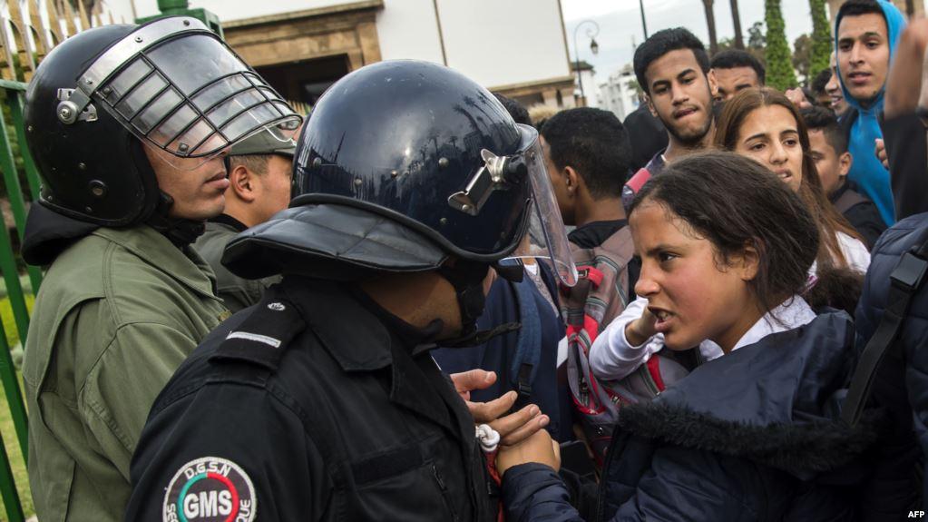 مرصد حقوقي للإرهاب يدين 'انتفاضة التلاميذ' ويطالب الحكومة بالعدول عن الساعة الإضافية