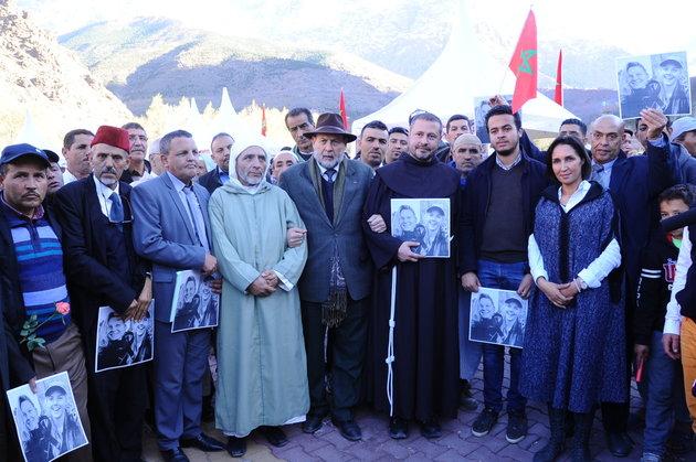 مسلمون ويهود ومسيحيون يسيرون بإمليل لأجل التعايش بعد فاجعة 'مارين ولويزا'