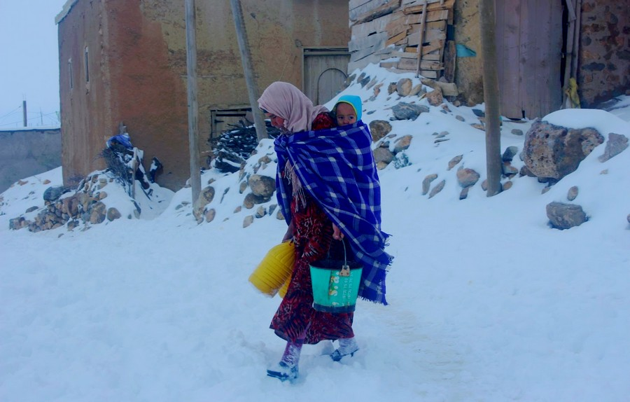 ارتفاع الوفيات نتيجة موجة البرد القارس.. شبكة حقوقية تحذر وزارة الصحة