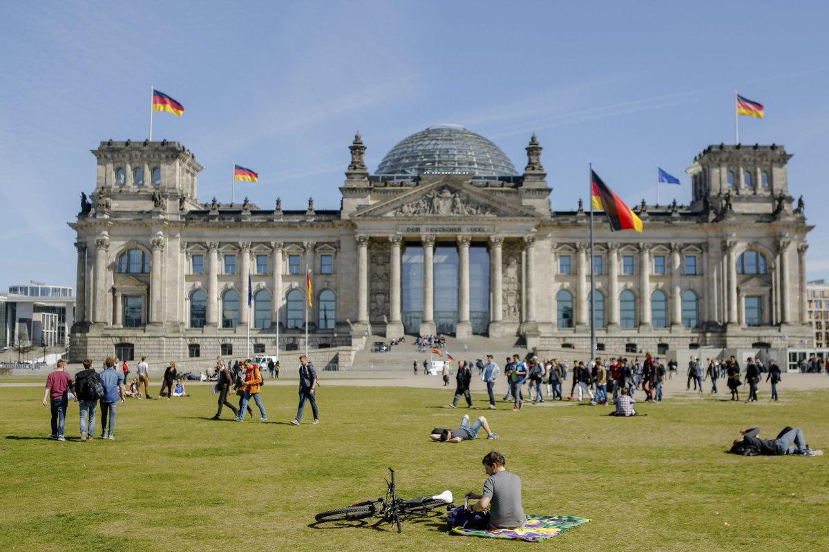 مجلس النواب الألماني يصدم المغاربة الراغبين في اللجوء بهذا القرار