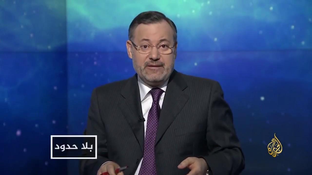 مصدر لـ'القناة': الرباط تلاحق أحمد منصور دولياََ للتهرب من زواجه بمغربية