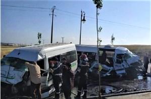 فاجعة.. وفاة 3 أشخاص وإصابة 14 في اصطدام حافلتين لنقل العمال بطنجة