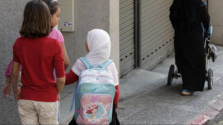 القنيطرة. القضاء ينتصر للتلميذة سندس التي منعتها مدرسة 'كاثوليكية' بسبب الحجاب