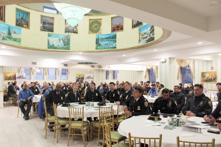 بعد الكونغرس.. 'ضباط المسلمين' بشرطة نيويورك تنظم إفطارا رمضانيًا
