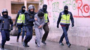 """بدعم من المخابرات المغربية.. إعتقال مواطن مغربي موالي لتنظيم """"داعش"""" الارهابي باسبانيا"""