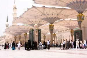 بعدما كان محظورا.. السعودية تسمح للمعتمرين بالتنقل خارج مكة والمدينة
