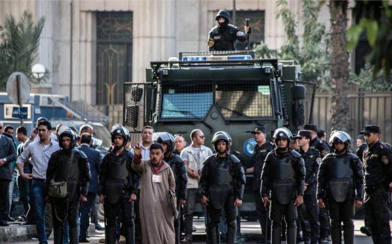بعد دعوات محمد علي ووائل غنيم.. نزول للجيش تحسباً لمظاهرات ضد السيسي