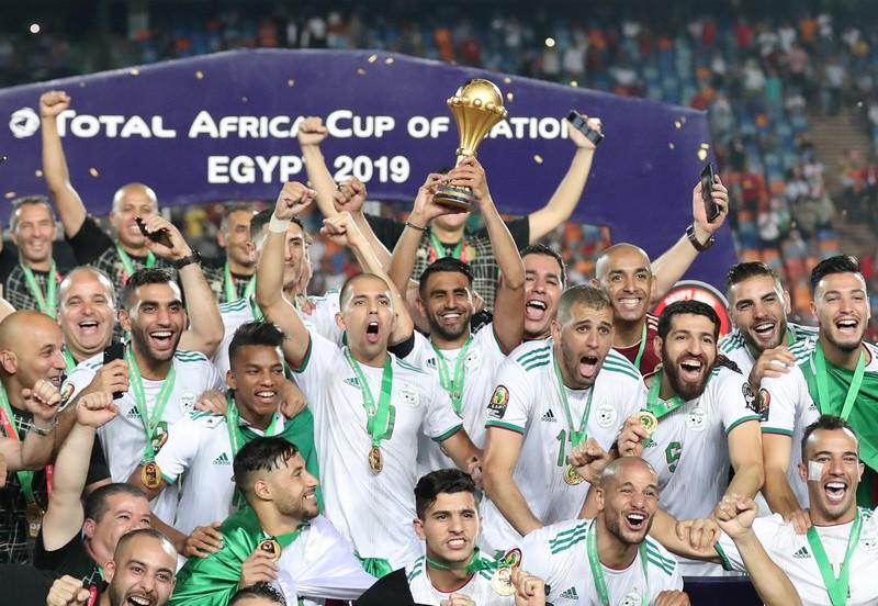الجزائر تعلن سعيها لتنظيم 'كان 2021' بدلا من الكاميرون: لدينا الإمكانات اللازمة!