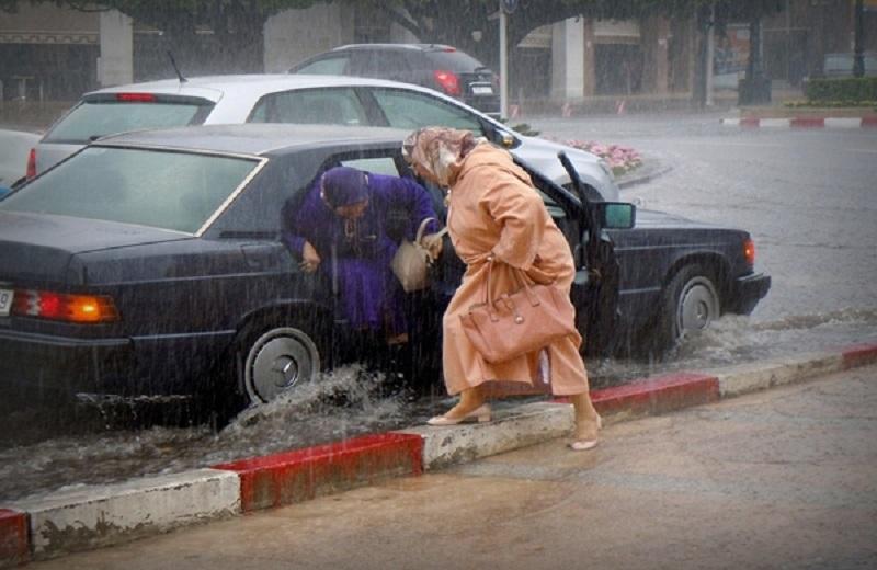 ناس الشمال والشرق 'ردو البال'.. أمطار ورياح قوية يوم غد الجمعة